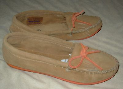 Minnetonka Moccasin Brown Pink Lace Up Slip On Suede Pink Sole Women's Size 6