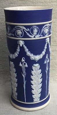 Lovely antique Wedgwood spill vase with acanthus leaf decoration circa 1890