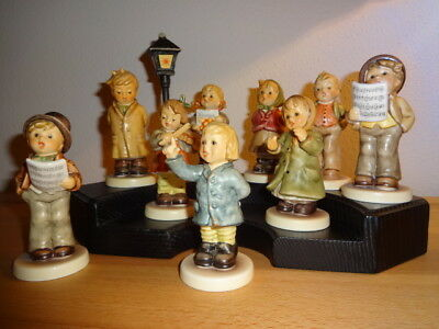 Hummelfiguren: Kompletter Kinderchor mit 9 Figuren,Podest,Laterne - TOP!!!