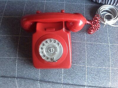 VINTAGE RED GPO TELEPHONE Rotary Dial