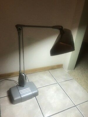 VINTAGE DAZOR 2324 INDUSTRIAL ARTICULATED FLOATING ARM DESK DRAFTING LAMP Grey