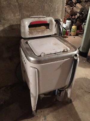 Vintage Maytag Square Tub Wringer Washer