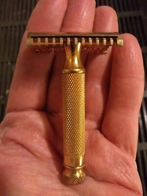 Vintage Gillette New Long Comb Gold Safety Razor unusual handle