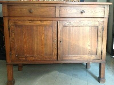 Antique Mobile in rovere tinto