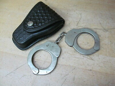 Handcuffs in Don Hume Case – No key