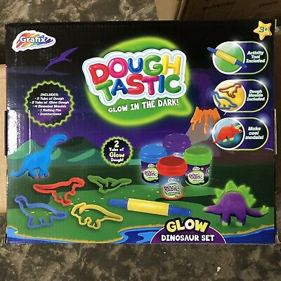 4 Games : Glow In The Dark Play Dough / Lego / Water Pistols / Split Second