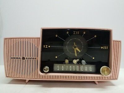 Vtg MCM Pink General Electric Clock Radio Tube Model 913-D Not Working USA 1950s