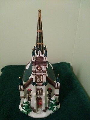 "Dickensville Collectible "" Victorian Series""-1998 Lighted Church/ With box!"