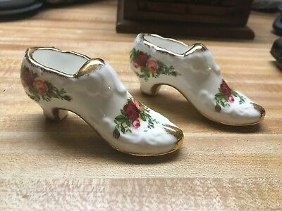 Royal Albert  old country roses shoes. England