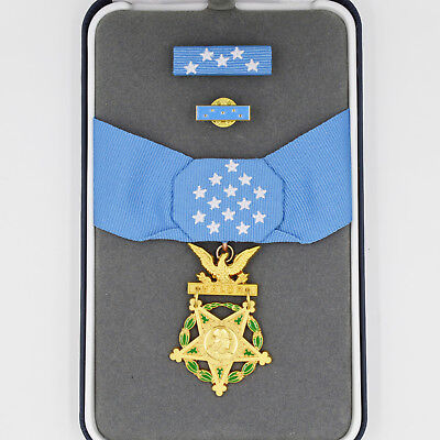 Cased US Medal WW2 Congressional Badge Army Order of Medal Honor of Army Rare!!