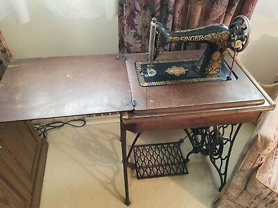 Antique Singer treadle sewing machine. Works! Make An Offer Too