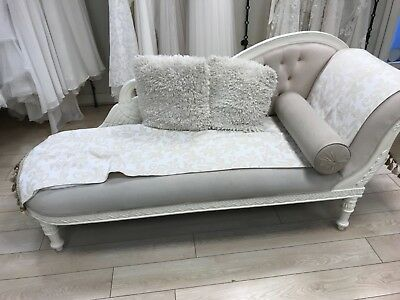 Cream chaise longue in good condition