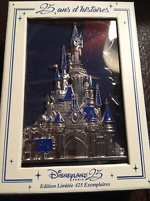 DLP 25 Years of History Pin Trading Event - Jumbo Castle LE 425