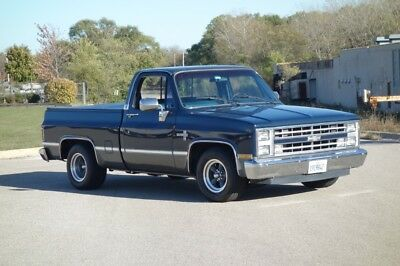 1986 Pickup -SILVERADO- PICK UP TRUCK- CLEAN - SEE VIDEO 1986 Chevrolet Pickup for sale!