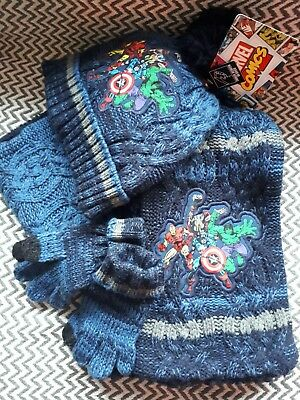Boys hat scarf gloves set Marvel New with Labels 2-4yrs