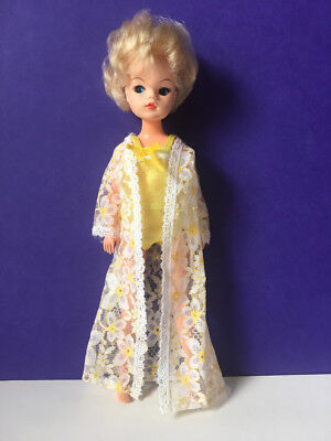 Vintage Sindy 70s Dreamy Lace daisy lace night dressing gown 1976 SHIMMYSHIM