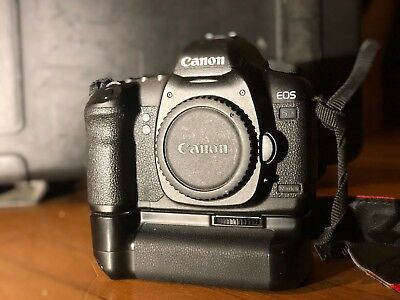 Canon EOS 5D Mark II 21.1MP Digital SLR (Body with Dual Battery Adapter)