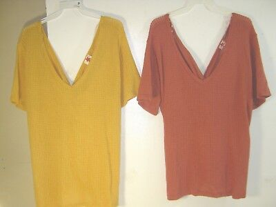 Wholesale Lot of 2 Women's Plus Size Short Sleeved Sweaters 3XL