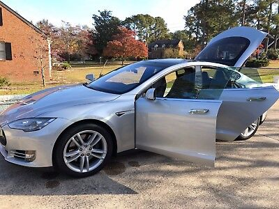 2015 Tesla Model S  90D with Lifetime Free Supercharging