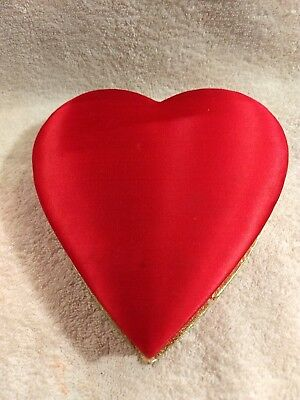 VINTAGE  VALENTINE satin top HEART CANDY BOX Schrafts stores 9 oz.