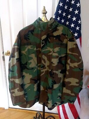 d7bf4832a01f3 US Army Woodland M-65 Field Jacket Coat Cold Weather Camo Med-Reg Made