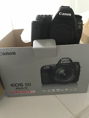 Canon EOS 5D Mark IVFull Frame SLRCameraw/ EF 24-70mm f/4L IS USM Lens Kit  USA