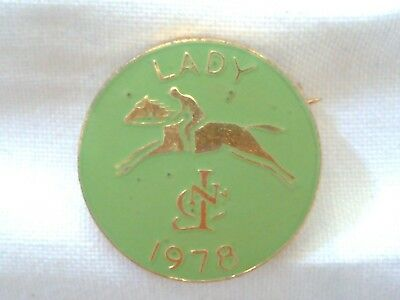 Collectable - Vintage 1978 - Lady Horse Racing - Badge - Pin