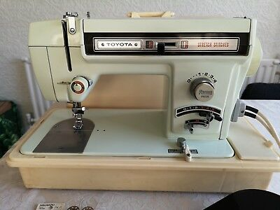 Toyota heavy duty sewing Machine Model 444 Vintage Electric