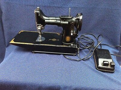 Old Vintage Small Size Singer  Sewing Machine And  Foot Pedal
