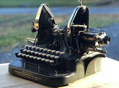 Vintage 1912 OLIVER No. 5 Typewriter with Fabric Cover/ Working Condition