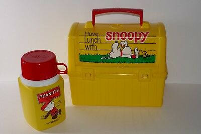 King Seeley Yellow Snoopy Plastic Lunch Box w/Thermos