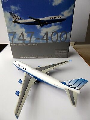 Dragon Wings United Airlines 747-422 1:400 Scale Die-Cast