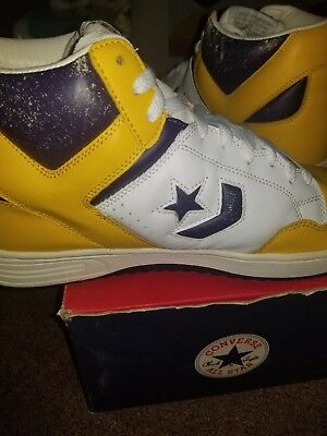 ae8456e2c87f Converse Weapon Hi Magic Johnson Gold Purple Size 12 Lakers NBA 1997  Basketball