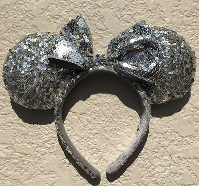 Disney Parks Minnie Mouse Silver Bow Sequins Ear Headband AUTHENTIC EARS