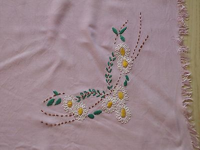 Vintage Lila Tablecloth Daisy Embroidery 28$30 #square Table Cloth Fingers