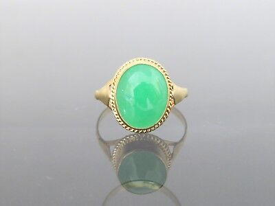Vintage 18K Solid Yellow Gold Oval Green Jadeite Jade Ring Size 7