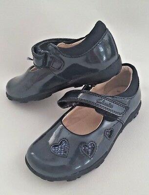 8339181fd4c BNIB Clarks Girls Ella Leah Navy Patent Leather Lights First Shoes5.5 F  Fitting
