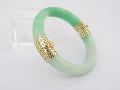 Vintage 18K Solid Gold Green, White Jadeite Jade Hinged Bangle Bracelet 56.5MM