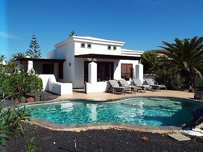 Villa In Playa Blanca,lanzarote, Private Heated Pool ,wifi ,english Tv,bbq