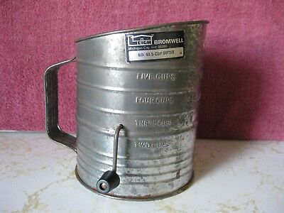 Vintage Bromwell  - No. 40 5-Cup Sifter - Made In Usa
