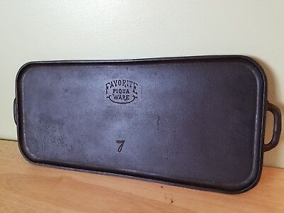 Vintage Favorite Piqua Ware Cast Iron Griddle #7 Smiley Logo, Very Rare Antique