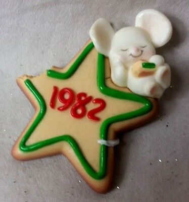 """1982 Hallmark Mouse and Cookie Ornament 2.5"""" approx."""