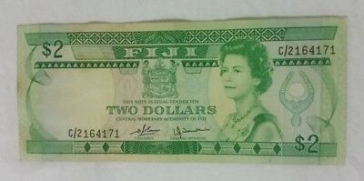 FIJI $2 BANKNOTE p77a (1980) VERY GOOD+ CONDITION / QEII