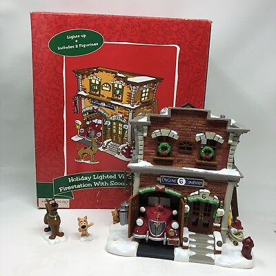 Rare Warner Bros Village Lighted Christmas Holiday Fire Station Scooby Doo