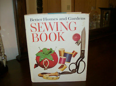 Better Homes & Garden Vintage Sewing Book Copywrite 1970 Second Edition