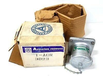 Appleton ACR3023 2-WIRE 3-POLE 30-AMP STYLE 2 RECEPTACLE THREADED/TWIST CAP New