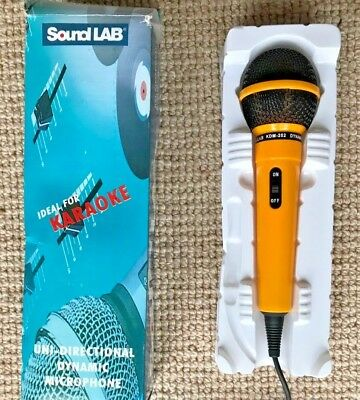 Soundlab Dynamic Vocal DJ Music Karaoke Pink Microphone & 3m XLR to 6.35mm Lead