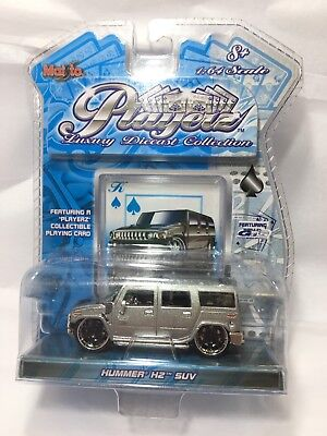 2004 Maisto Playerz Luxury Dicast Collection Gray Hummer H2 SUV & Playing Card