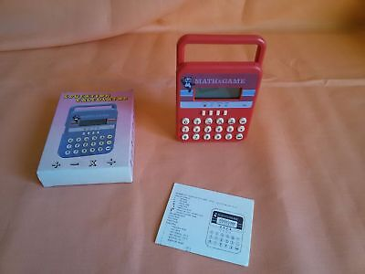 Vintage MATH Game EDUCATION Calculator GIACENZA NUOVA d'epoca Fondo di Magazzino