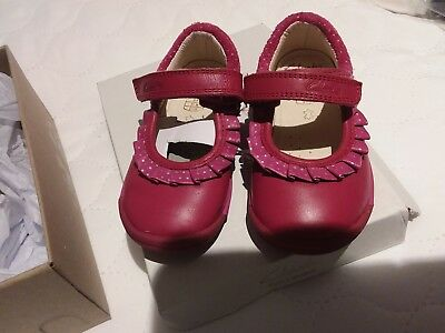 Clarks softlystef first shoes girls infant size 5F berry pink leather